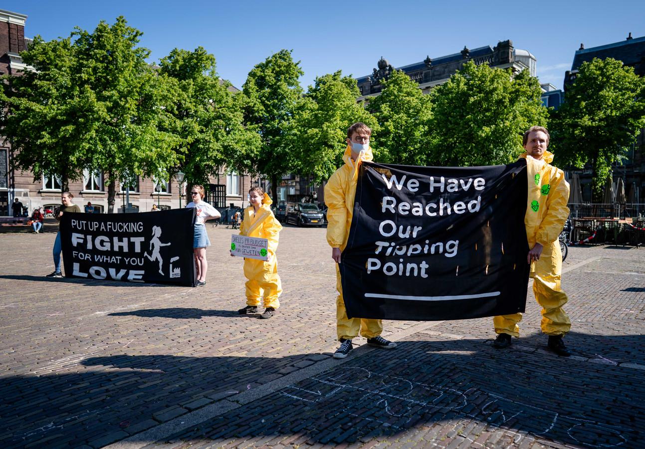 Activisten in Den Haag.