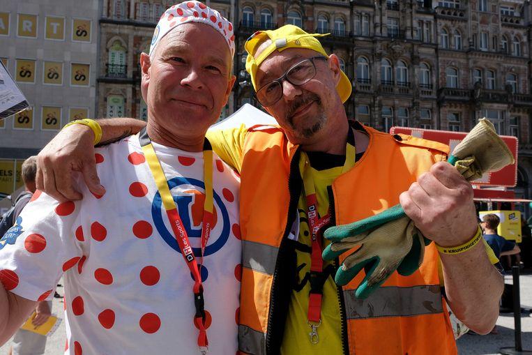 Arbeiders van de stad Brussel hebben zich voor de gelegenheid ook een ietwat andere tenue aangemeten.