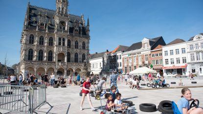 De hele zomervakantie ravotten in speeltuin op de Oudenaardse Markt