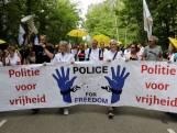 Actiegroep Police for Freedom demonstreert in Apeldoorn