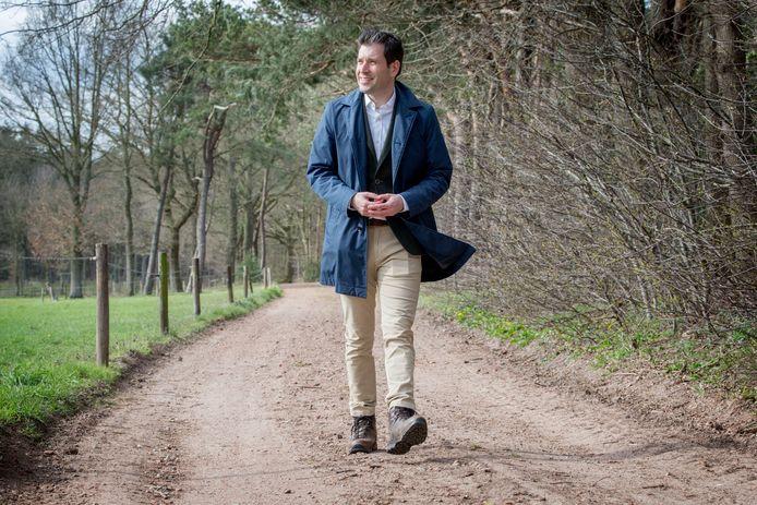 Burgemeester Joerie Minses in het buitengebied van Galder, dat deel uitmaakt van de gemeente Alphen-Chaam.