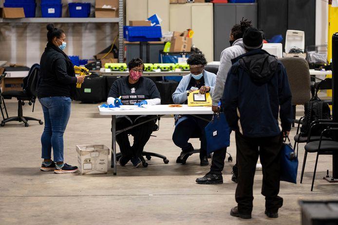 Stemmen worden geteld in Georgia.