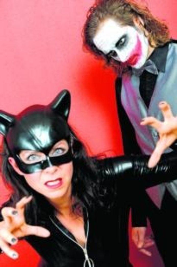 Debby 'Cat Woman' Zimmerman en Marijn 'The Joker' Geluk zijn de vocals van 666 The Nightmare.