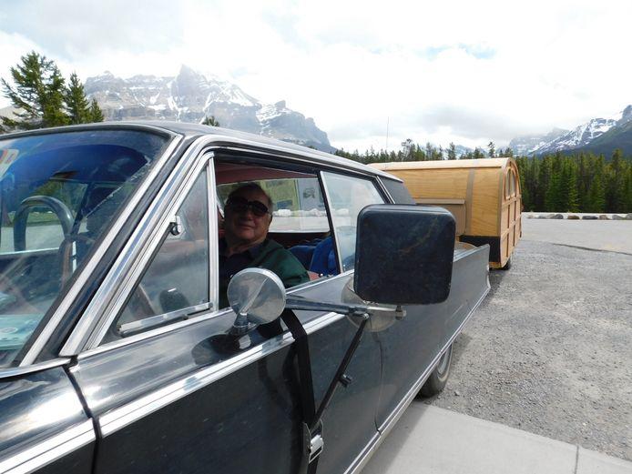 'Big Louis' uit Ontario in zijn oude Dodge.
