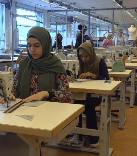 ROC-studenten maken Sheltersuits voor vluchtelingen