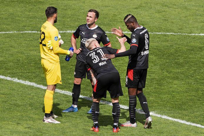 De PSV'ers hadden zondag een onderonsje met Eric Oelschlägel, de keeper van FC Utrecht.