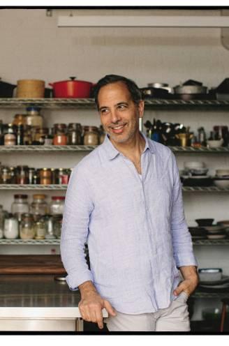 """Exclusief: 3 recepten uit Yotam Ottolenghi's nieuwste boek. """"Je moet niet noodzakelijk elk ingrediënt in huis hebben om het te maken"""""""