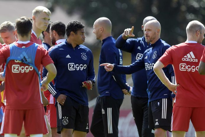 Erik ten Hag tijdens het trainingskamp van Ajax in Oostenrijk.