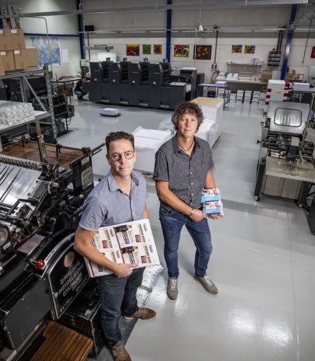 Broers Ritske en René runnen drukkerij in Nijverdal: 'Heb persoonlijk contact met je klanten, gaven onze ouders ons mee'