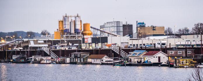 Woonboten in Nieuwe Haven.