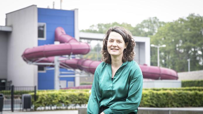 Uitvoerend producent Ellen Wisse van Reuring in het Reggedal bij Zwembad Het Ravijn.