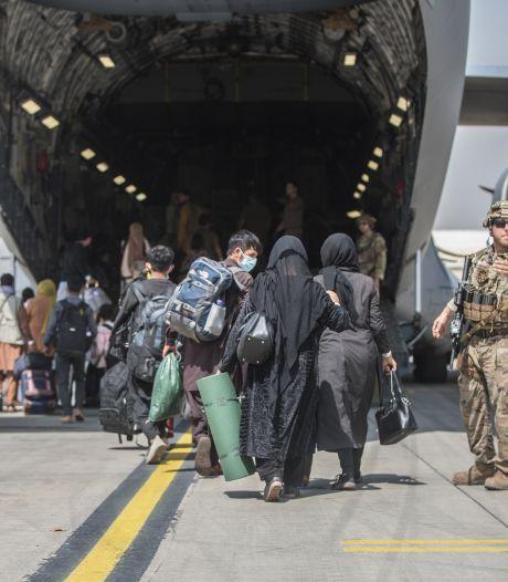Kabinet doorbreekt taboe: elitemilitairen halen in stad Kaboel gestrande evacués op