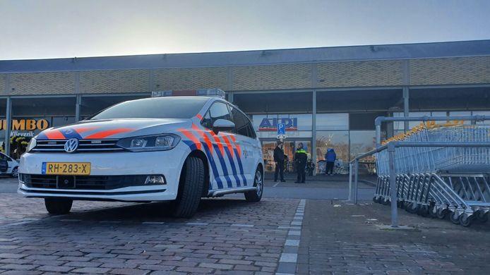 Een filiaal van Aldi in Hengelo is zondagmiddag rond 16.00 uur overvallen. Dat gebeurde aan het Dikkersplein. De dader is spoorloos.