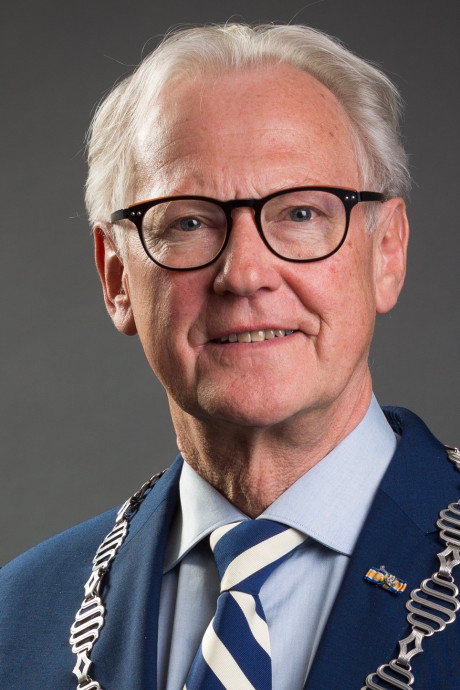 Twaalf kandidaten voor burgemeesterschap Hoeksche Waard: alleen maar mannen