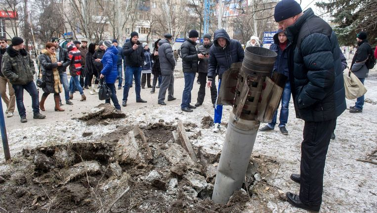 Het Oekraïense leger en de pro-Russische rebellen hebben op meerdere plaatsen in Oost-Oekraïne een hevige strijd gevoerd.