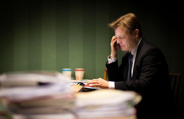 Pieter Omtzigt in zijn werkkamer.  Beeld Stan van Lier