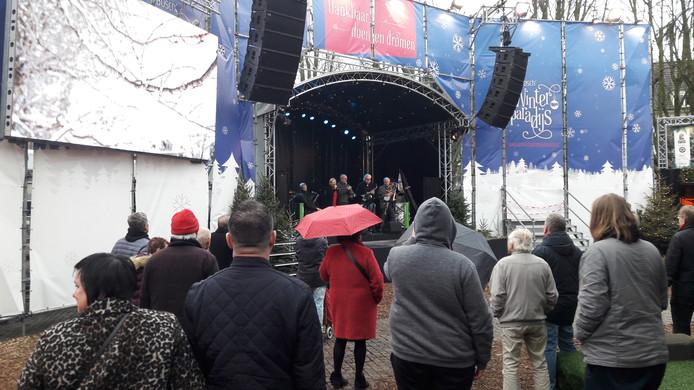 Podiumoptreden tijdens de laatste zaterdag van het Winterparadijs in Den Bosch.