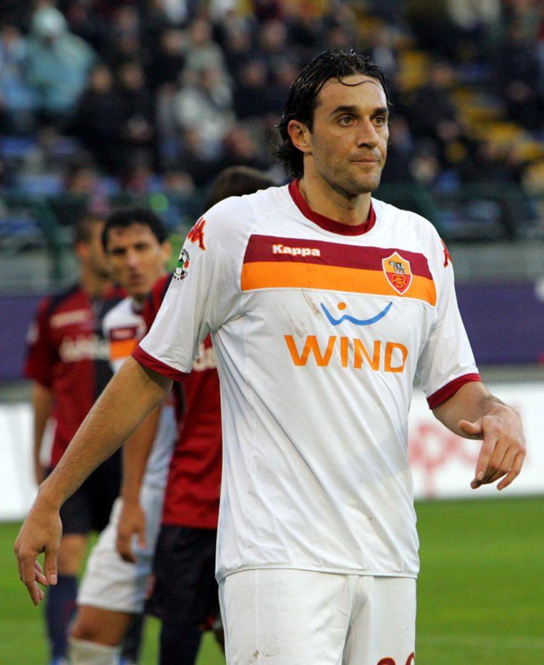 Luca Toni beleefde geen te beste dag in Cagliari. Beeld UNKNOWN