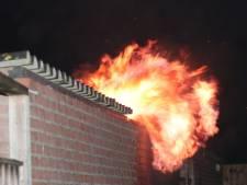 Schuur in Waalwijk gaat in vlammen op