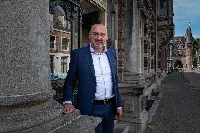 Rector Roel Kuiper voor de Theologische Universiteit in Kampen.