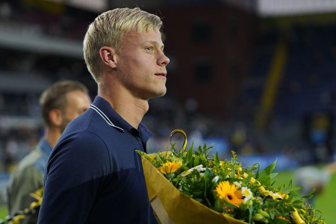 Jan Paul van Hecke afgelopen maandag tijdens zijn officiële afscheid van NAC.
