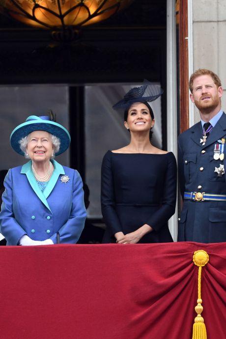 Meghan en queen Elizabeth  zorgen dat de Britse belastingbetaler waar voor zijn geld krijgt