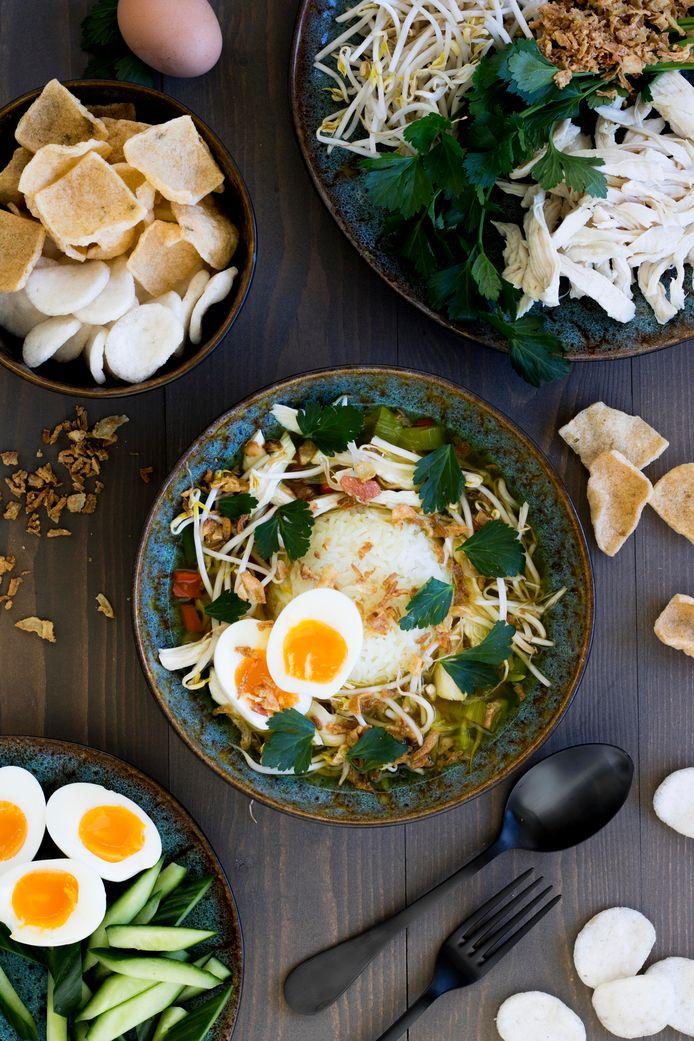 Deze Soto ajam is een soep en complete maaltijd in één.