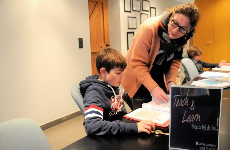 Marijke Janssens biedt steeds meer jongeren leerhulp aan.