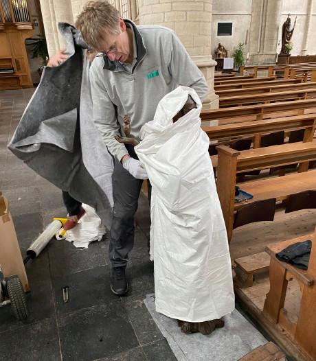 Wouwse heiligen op reis, Duitsers verrukt over topkunst uit Lambertuskerk