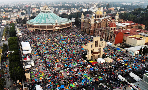 Foto van Duizenden pelgrims herdenken verschijning van Nuestra Señora de Guadalupe