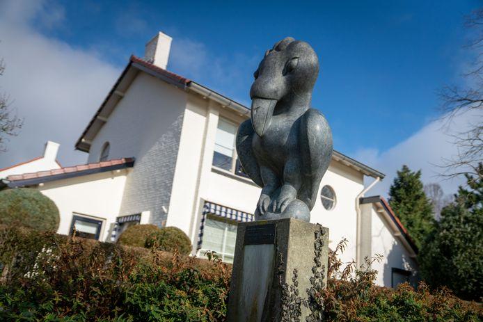 'Vogel' van beeldhouwer Staycot Tahwa uit Tengenenge in Lent.