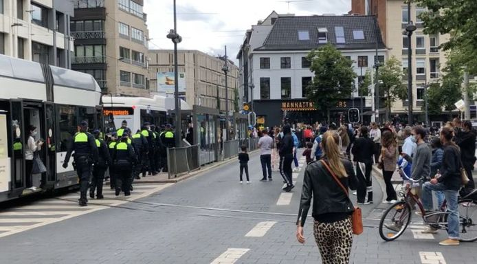 La police anversoise a procédé à une centaine d'interpellations.