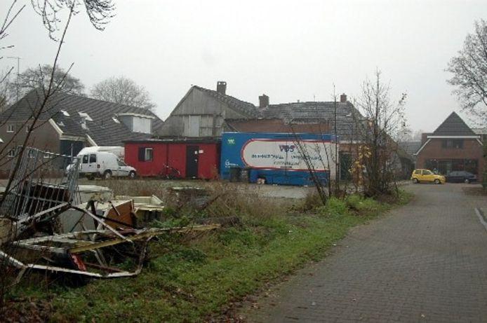 Het pand Gemeenteweg 121, eetcafé Sniedertie, dat gesloopt wordt en plaats maakt voor nieuwe woningen. Foto FRENS JANSEN