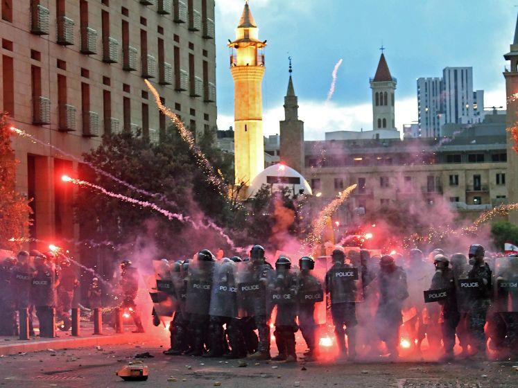 Le Liban se cherche un nouveau gouvernement, le peuple en colère