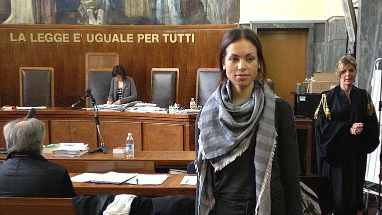 Karima el-Mahrough, bijgenaamd Ruby, verlaat op 17 mei na verhoor de rechtszaal in Milaan. Beeld EPA