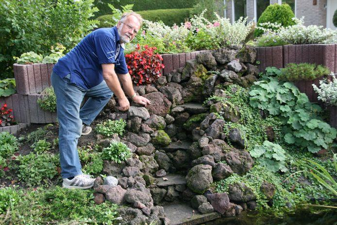 De weg- en waterbouw in z'n eigen tuin