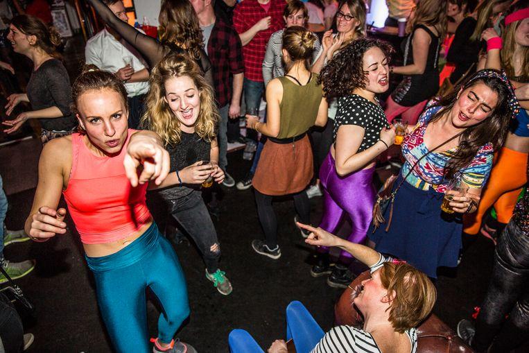 Betere tijden (voor de coronapandemie): disco in De Balie te Amsterdam.  Beeld Hollandse Hoogte / Amaury Miller