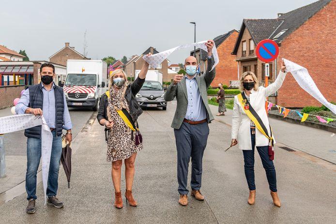 In deelgemeente Engelmanshoven is de Driewilgenstraat na een jaar hard werken eindelijk volledig klaar.