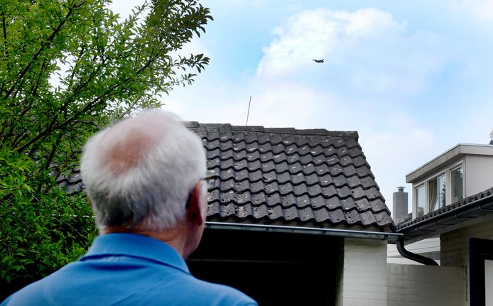 Residents of Leeuwarden and Volkel in Brabant are more used to the fighter jets, which sometimes fly low over.