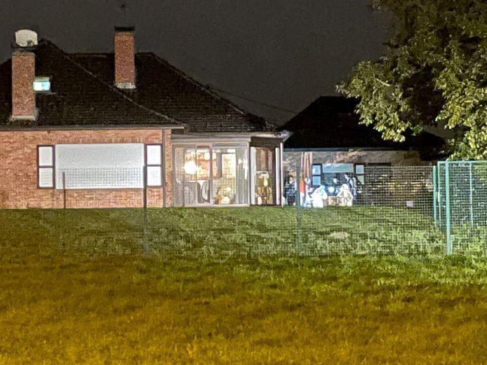 In en rond de riante villa was het labo tot maandagavond laat bezig met het onderzoek naar de moord