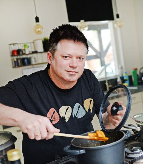 Beroepsmuzikant Daniël kookt afhaalmenu's 'De Indische keuken is veel uitgebreider dan de menukaart van de Chinees'