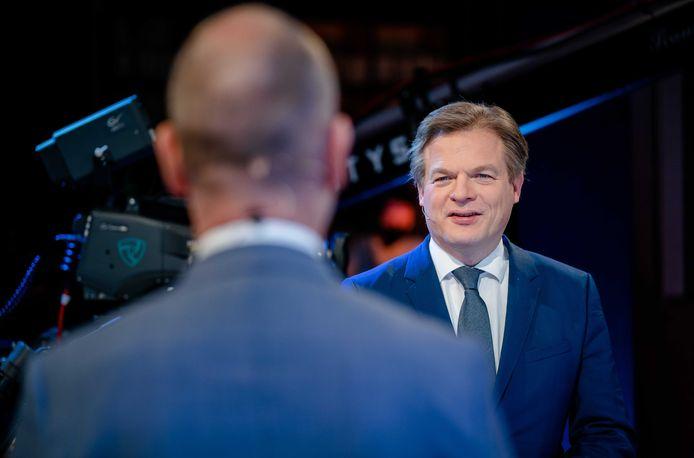 Gert-Jan Segers (ChristenUnie) en Pieter Omtzigt (CDA) tijdens het eerste lijsttrekkersdebat voor de Tweede Kamerverkiezingen.