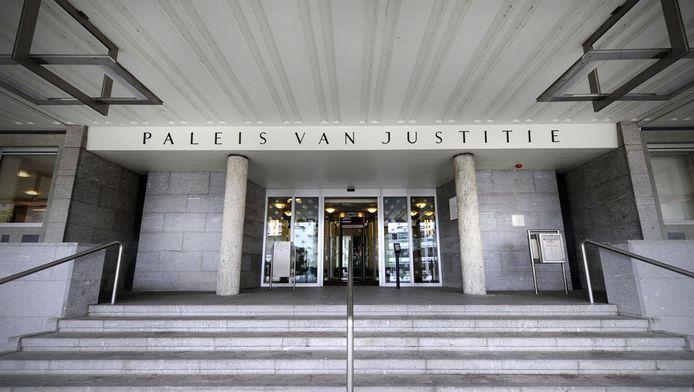 Exterieur van het Paleis van Justitie in Arnhem