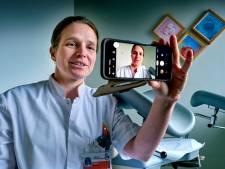 Medewerkers ASz gaan vloggen: 'Werkt veel beter dan zo'n statisch foldertje'