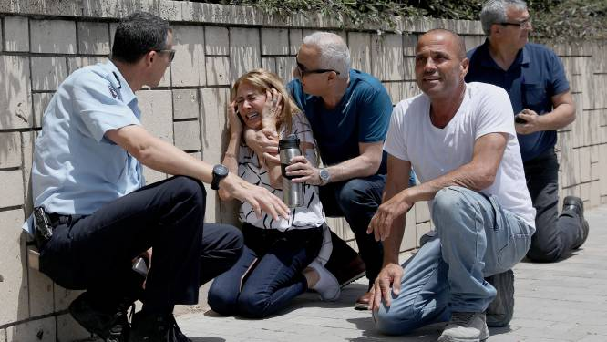"""Geweld in Israël escaleert verder: """"Twee vrouwen gedood bij raketaanval vanuit Gazastrook"""""""