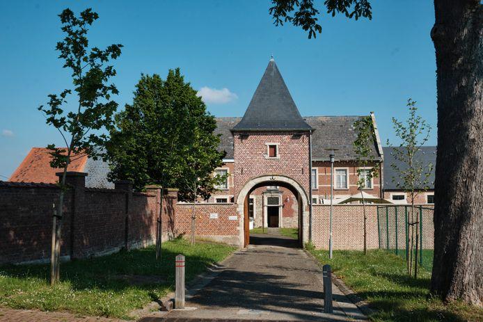 Pop-upcafé 'In de Heerlijckheid' staat drie maanden op de Sint-Pieterssite van Vissenaken.