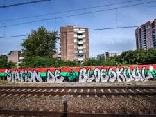 Graffiti-artiest doopt station De Goffert om tot station De Bloedkuul