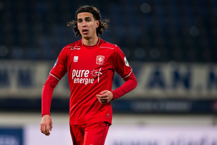 Ramiz Zerrouki debuteerde donderdagavond voor Algerije.