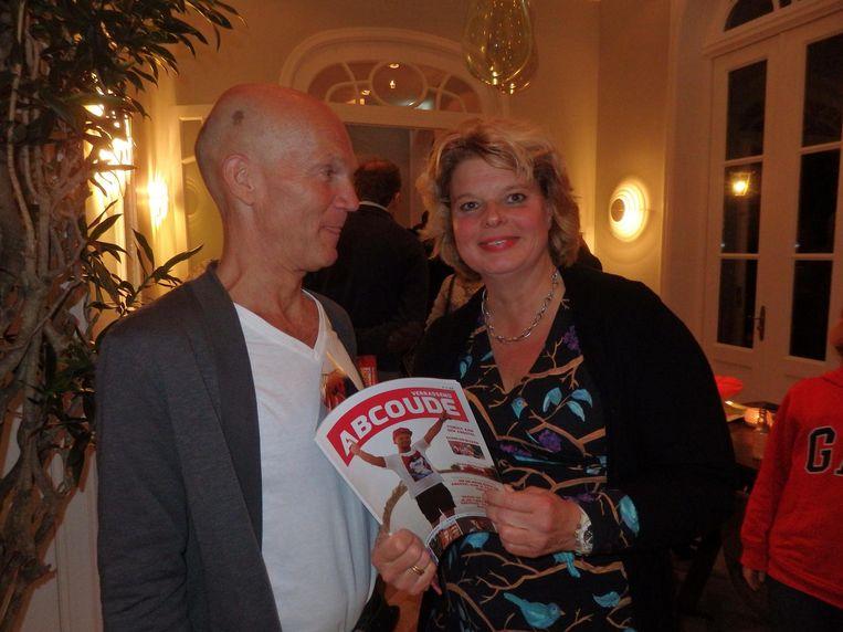 Journalist Jeroen Dirks en fotograaf Nienke Meek, makers van Abcoude Magazine, geen setje Beeld Schuim