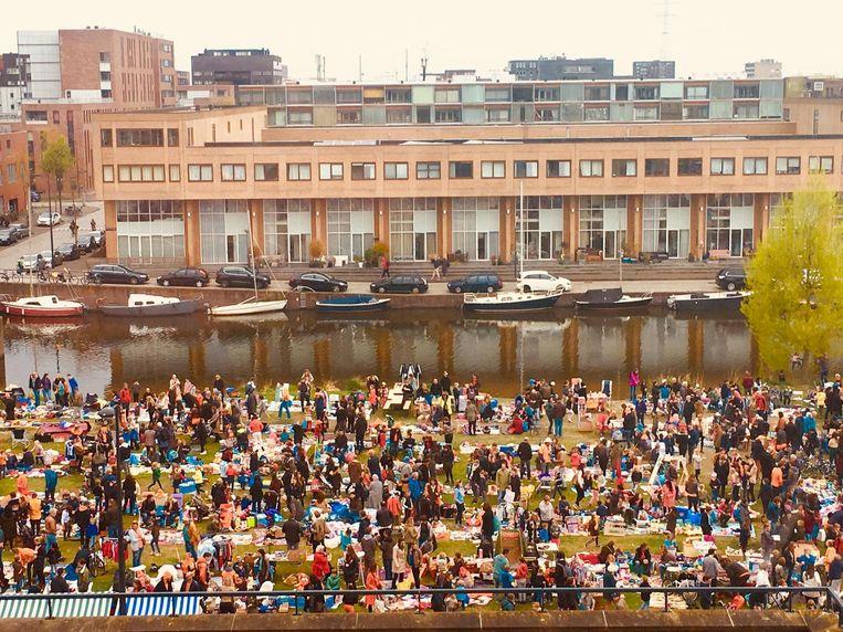 De vrijmarkt op IJburg Beeld Wierd Duk
